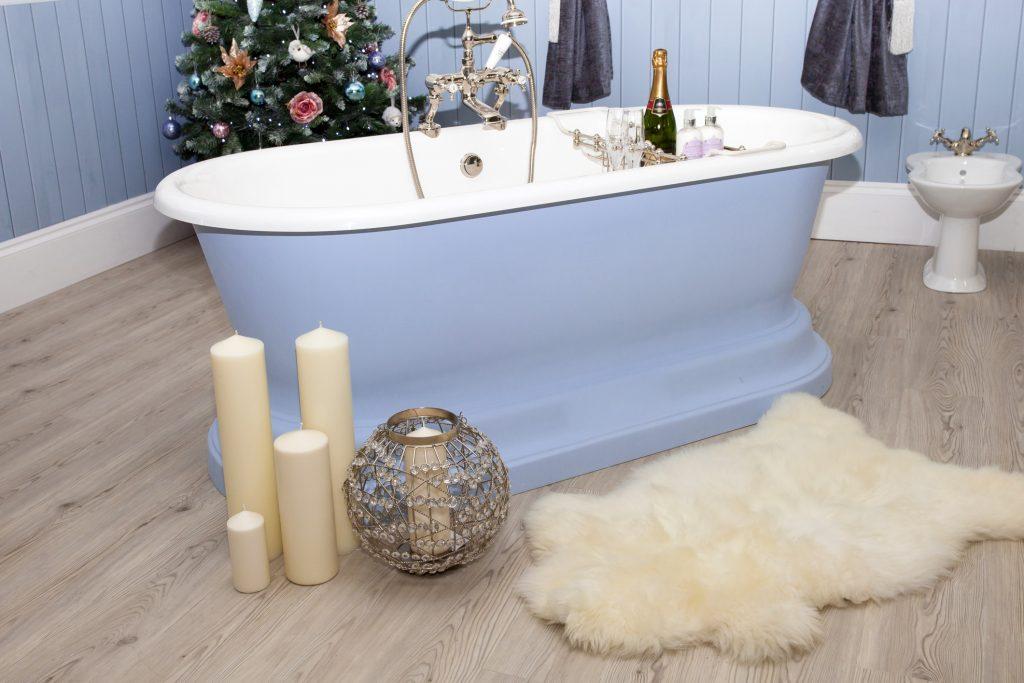 Come decorare anche il bagno per natale - Decorare il bagno ...