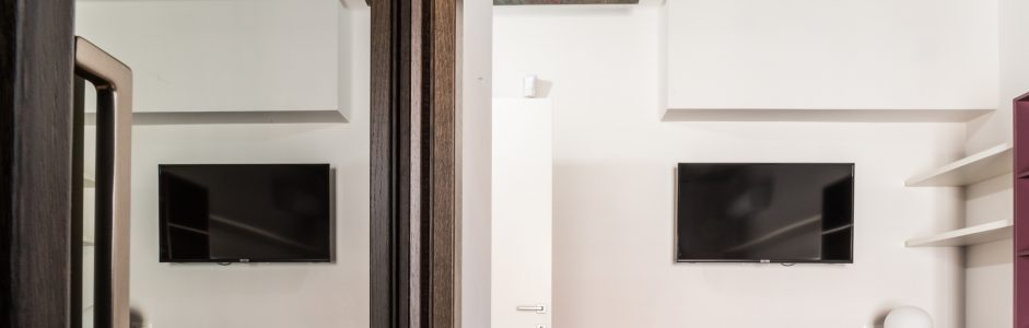 Progetti Esagono: una villa privata all'insegna del colore e del decorativismo