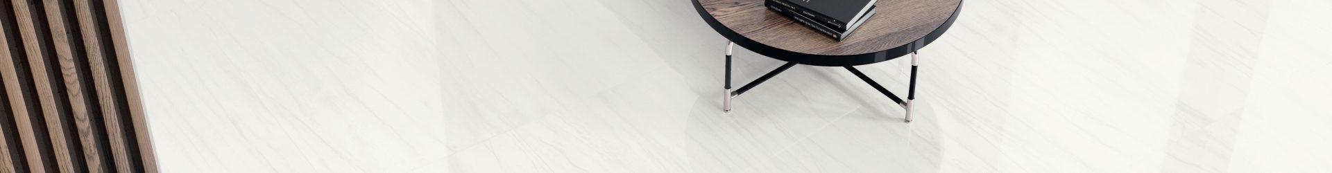 Pavimenti chiari o scuri? Ecco come scegliere colori e materiali