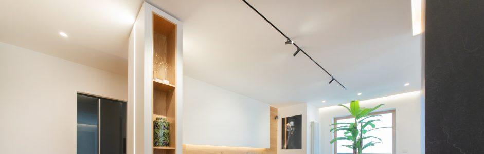 Ristrutturazione d'interni: un progetto dove lo spazio viene identificato attraverso i materiali